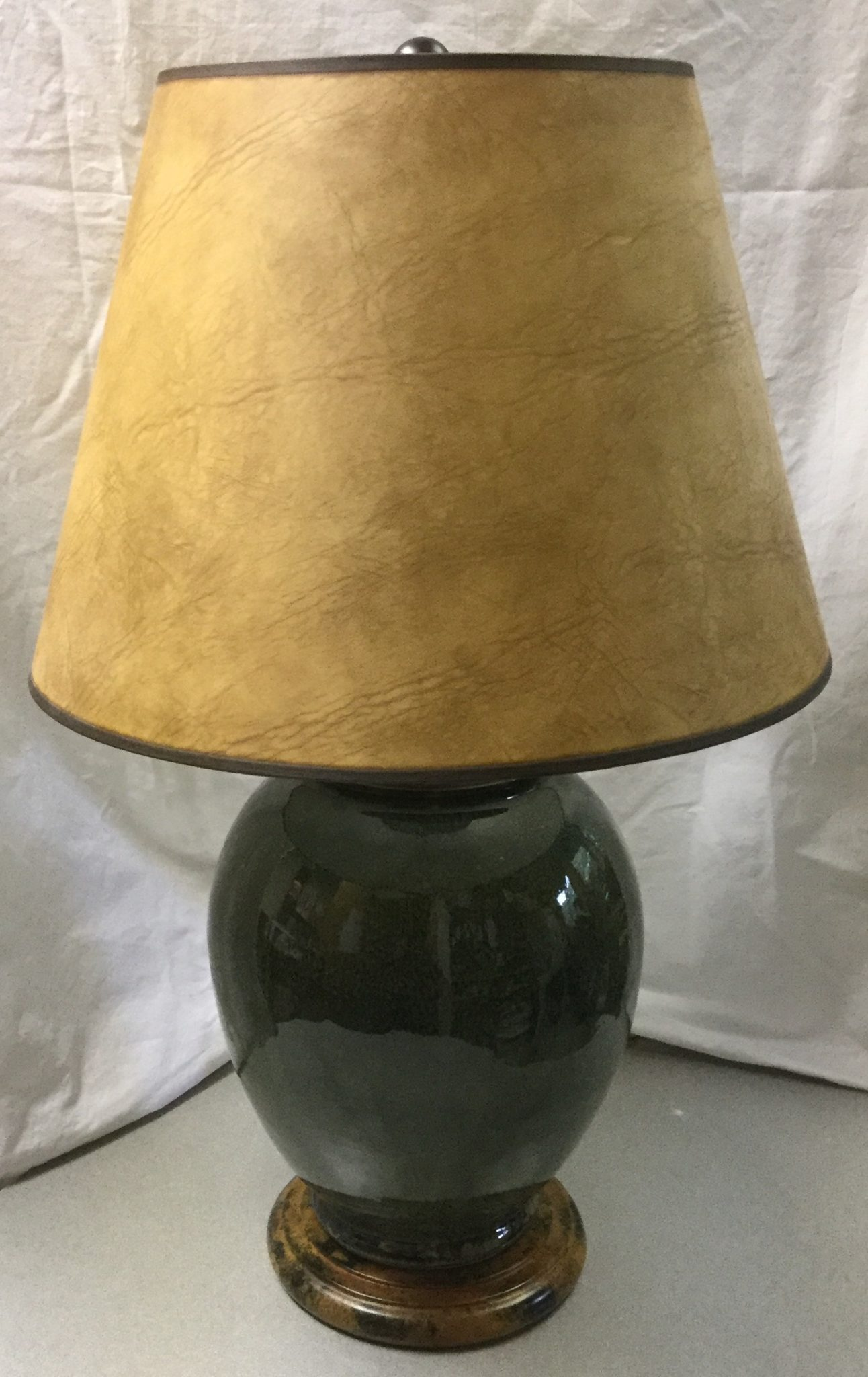 green jar lamp with faux leather shade stock swap furniture. Black Bedroom Furniture Sets. Home Design Ideas