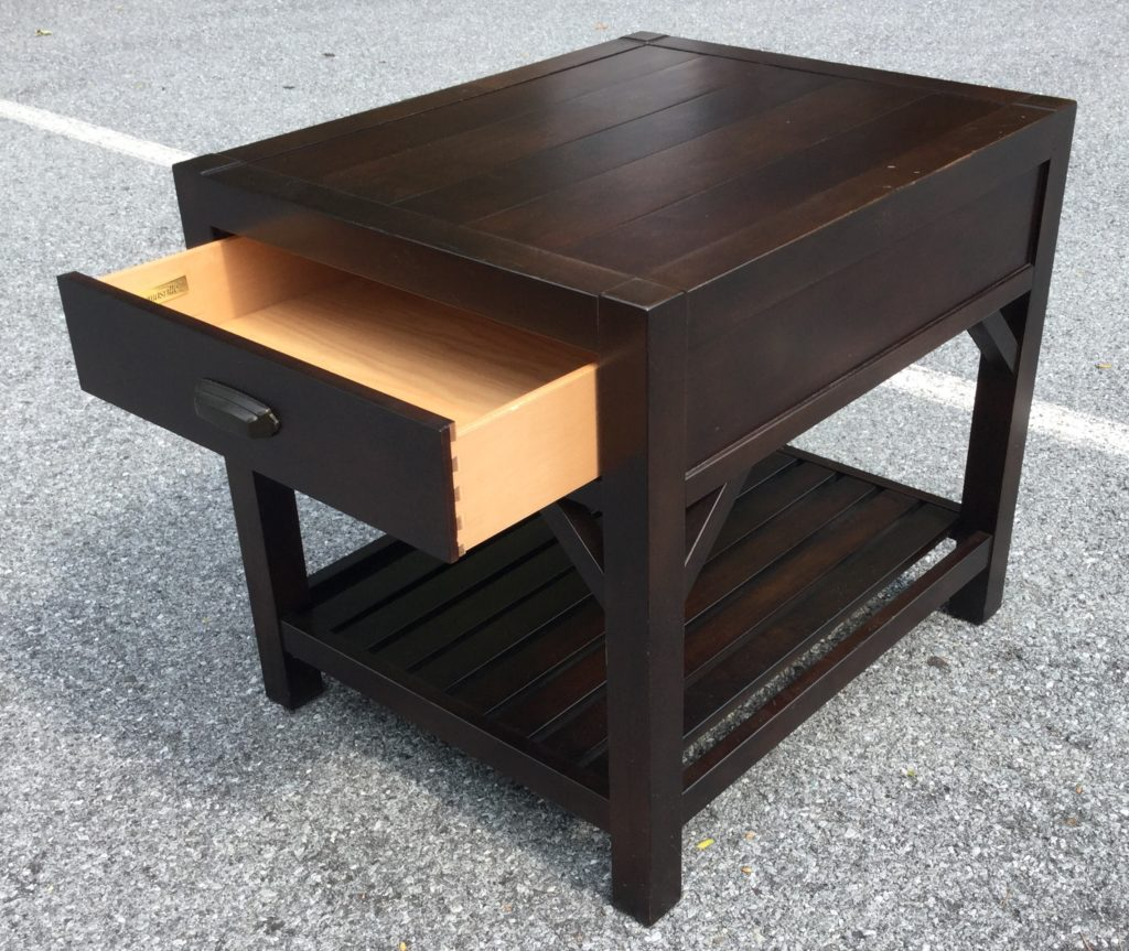 Thomasville End Table With Shelf
